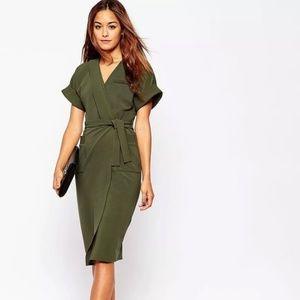 NWT Green Short Sleeve Knee Length Wrap Dress